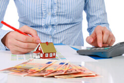 Breakdown of real estate commission for selling or buying a house
